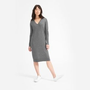 Everlane Cashmere V-Neck Midi Dress in Charcoal